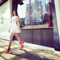 Mặc đẹp dạo phố ngày Xuân đầy nắng theo phong cách của Phạm Hương