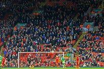 Carragher ca ngợi quyết định không tăng giá vé của Liverpool