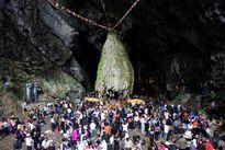 Điểm du lịch tâm linh ken đặc khách ngày đầu năm mới