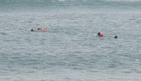 Tìm kiếm cháu bé mất tích, thấy xác phụ nữ dưới biển