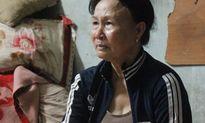 Bốn cái Tết ly hương của mẹ già thăm nuôi đàn con đi tù