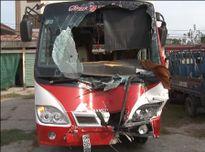 2 xe ô tô khách tông nhau làm 3 người chết, 10 người bị thương