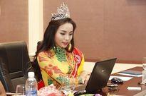 Ngắm gu thời trang thay đổi từng ngày của Hoa hậu Kỳ Duyên