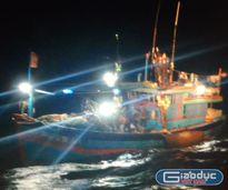 Cứu 9 ngư dân bị nạn trên biển