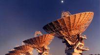 """""""Bắt"""" được tín hiệu nghi của người ngoài hành tinh giúp tìm ra vật chất vũ trụ bí hiểm"""