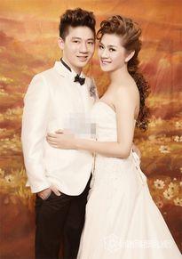 Lâm Chi Khanh phản ứng thế nào khi bạn trai cũ lên xe hoa