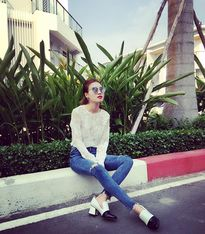 Đủ kiểu street style mát mẻ tuần đầu hè của sao, hot girl Việt