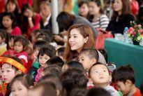 Hoa hậu Kỳ Duyên quyên góp xây dựng phòng học ở Tuyên Quang