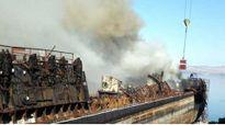 Tàu ngầm hạt nhân Nga bốc cháy nghi ngút lúc đang neo đậu