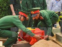 Hà Tĩnh truy điệu và an táng hài cốt 19 liệt sỹ hy sinh ở Lào