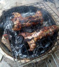 'Khoái khẩu' món chuột đồng nướng sa tế ở miền Tây