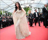 Hoa hậu của mọi thời đại xuất hiện tại Cannes sau vụ Panama