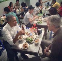 Quán bún chả nức tiếng có tuổi đời 20 năm được tổng thống Obama ghé ăn