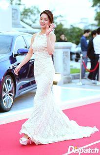 Suzy cùng loạt người đẹp khoe vòng 1 đẫy đà, Hyeri lỗng lẫy như công chúa trên thảm đỏ Baeksang Arts Awards 2016