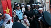 Truy tặng Huân chương Bảo vệ Tổ quốc cho phi công Trần Quang Khải
