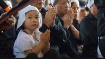 Nữ doanh nhân muốn nhận đỡ đầu con gái phi công Trần Quang Khải