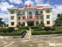 Vợ Chủ tịch huyện dùng bằng đại học giả để 'thăng chức'