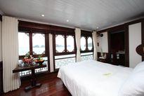 Ngắm cảnh vịnh Hạ Long trên du thuyền 3-5 sao