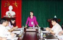 Thứ trưởng Nguyễn Thị Nghĩa kiểm tra công tác thi tại Thái Bình