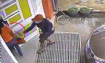 Dùng mã tấu truy sát người phụ nữ trước cửa nhà ở Pleiku