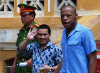 Người nước ngoài lãnh án vì đưa ma túy vào Việt Nam