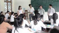 Thứ trưởng Bộ GD-ĐT kiểm tra công tác tổ chức thi tại Quảng Nam