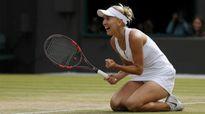 Kiều nữ Playboy gây sốc nặng ở Wimbledon