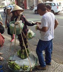 'Cần nghiêm trị khách Trung Quốc vô văn hóa'