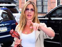 Sao Hollywood ủng hộ Jennifer Aniston đả kích báo lá cải