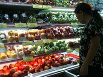 Chuộng trái cây nhập: Người Việt tặc lưỡi chi bạc triệu