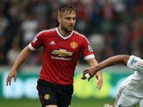 Mourinho động viên Luke Shaw, ngợi khen Axel Tuanzebe và Andreas Pereira