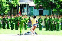 """Chất """"thép"""" của người lính Cảnh sát cơ động"""