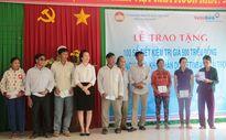 VietinBank trao 100 sổ tiết kiệm cho ngư dân Quảng Ngãi khó khăn