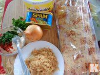 Bánh mì nướng thịt nguội hấp dẫn cho bữa sáng