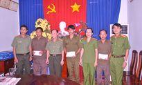 Báo CAND trao tiền xây nhà tình nghĩa cho 3 Công an xã