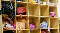 Bé trai 6 tuổi chết đau đớn dưới cánh tủ quần áo trường mầm non