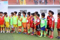 Quả bóng vàng Ngọc Châm tiếp tục là HLV 'Lotte - Cầu thủ nhí 2016'
