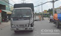 Xe tải tông xe máy băng qua đường, 3 người nguy kịch