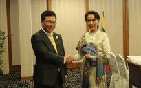 Phó Thủ tướng gặp Bộ trưởng Ngoại giao Myanmar Aung San Suu Kyi