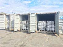 Phát hiện 100 tấn nhôm lậu 'núp bóng' vải vụn suýt được xuất khẩu