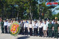 Lãnh đạo tỉnh dâng hương tại các Nghĩa trang Trường Sơn, Đường 9