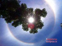 'Khoảnh khắc lạ' trên bầu trời Nghệ An ngày nắng nóng