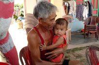 Du khách nườm nượp đổ về 'làng bích họa' kỳ lạ ven biển Tam Kỳ