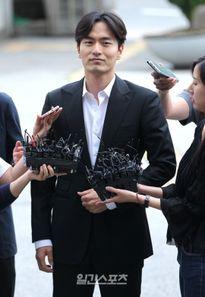 Vụ sao Hàn bị tố cưỡng bức: Luật sư nguyên đơn xin rút