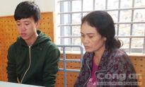 Hai mẹ con tra tấn người phụ nữ kiểu 'thời trung cổ' để ép ký giấy nợ