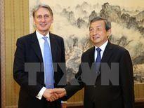 Anh bắt đầu đàm phán thỏa thuận thương mại tự do với Trung Quốc