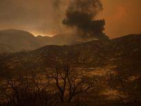 Cháy rừng ở bang California lan rộng, hàng trăm người phải sơ tán