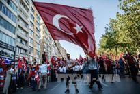 Hậu đảo chính, Thổ Nhĩ Kỳ bắt 42 nhà báo