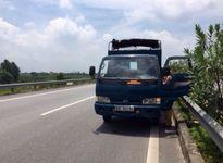 Hà Nội: Bắt khẩn cấp 2 đối tượng trộm xe ô tô tải chở hàng đỗ ven đường