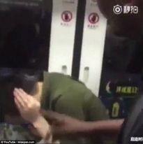 Gọi người da màu là 'quỷ đen', thanh niên Trung Quốc ăn bạt tai
